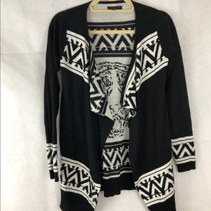 Material Girl Black & White Aztec Tiger Sweater